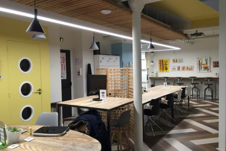 Espace de coworking  Paris 2ème arr. - Rue Greneta - Châtelet-Les-Halles - Montorgueil - métro Sentier (ligne 3) - poste de travail en open space / bureau nomade - myCowork Montorgueil
