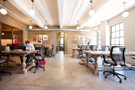 Coworking Space Manhattan - New York - 10036 - Midtown - Bryant Park - Rockefeller Center - Grand Central - workstation in open space - WorkHouse NYC - Old